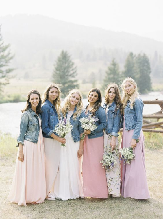 blue denim jackets for the bride and bridal party will bring a relaxed feel and a trendy look to them all