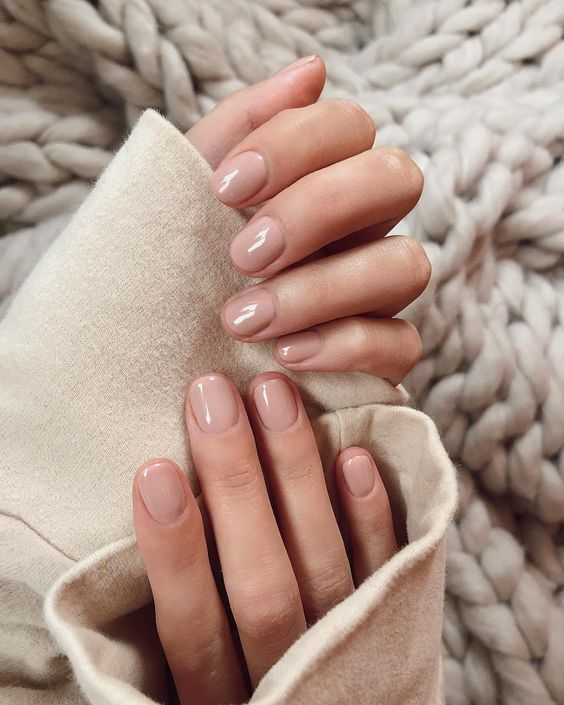 glossy nude nails are chic and stylish and can fit absolutely any bridal look anytime