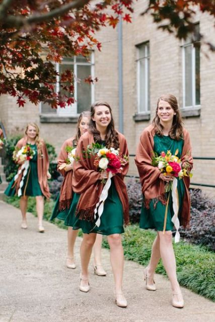 jade green bridesmaid dresses and copper pashminas with fringe for bright and chic fall bridesmaid looks