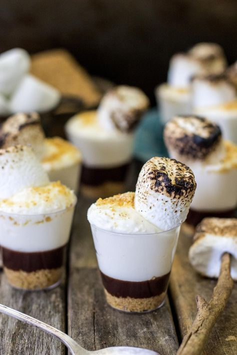 smore dessert shooters are a very relaxed, tasty and cool dessert idea, it's very non traditional