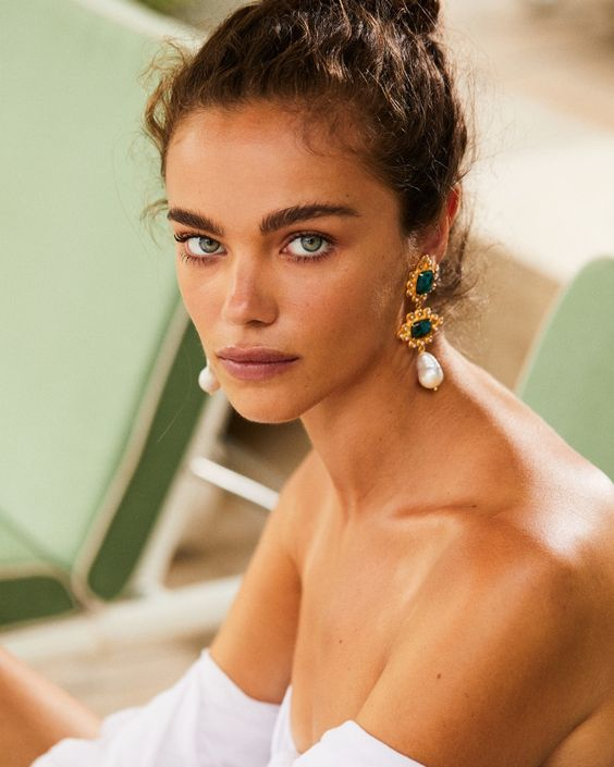 statement emerald and baroque pearl earrings will take over the whole bridal look making it super bold