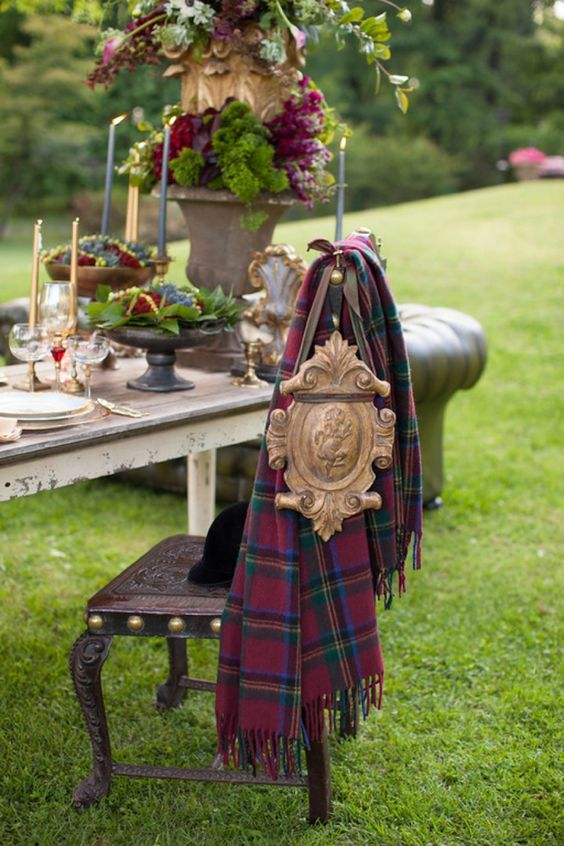 a bold tartan cover for the chair is a great idea for a refined and chic wedding, for winter, Christmas and equestrian weddings