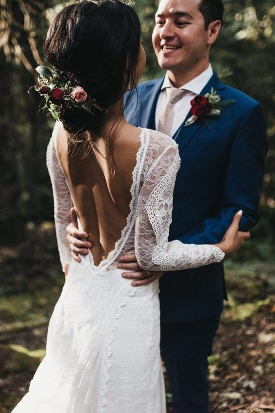 a boho lace A-line wedding gown with long sleeves is a lovely and chic idea for a modern boho bride