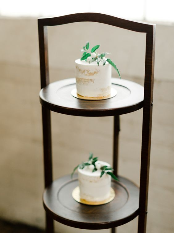 naked individual wedding cakes topped with berries and leaves are amazing for a modern wedding