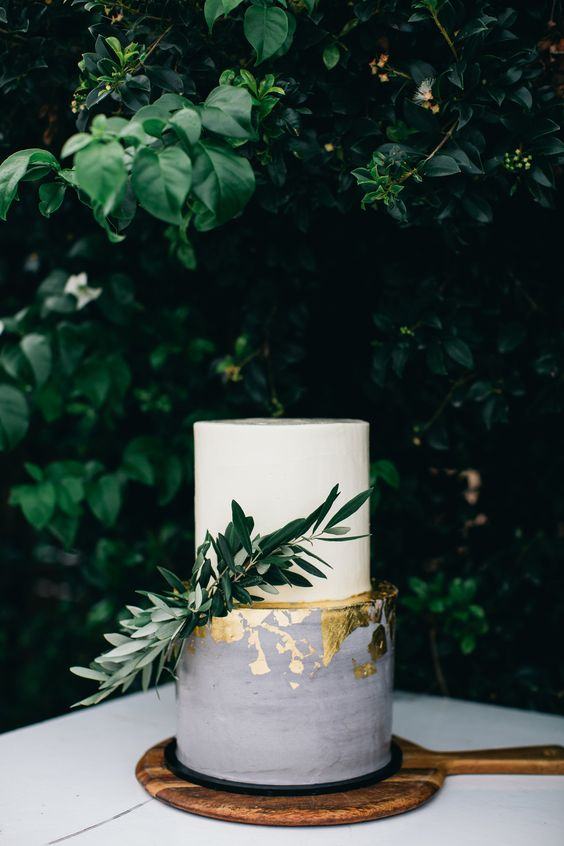 a white and grey gold leaf wedding cake with greenery is a chic idea for a Tuscany wedding or an Italian one