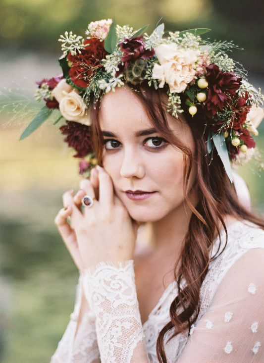 a moody fall bridal crown with blush and burgundy blooms, berries, greenery and seed pods is a very fresh idea