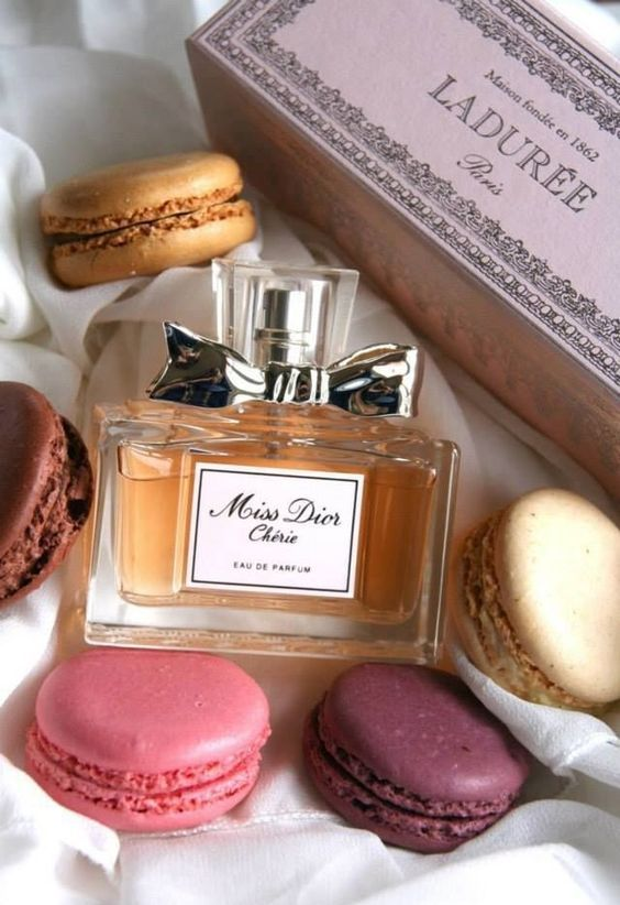 Miss Cherie by Dior and some macarons will be an ultimate girlish and cute gift for the bride