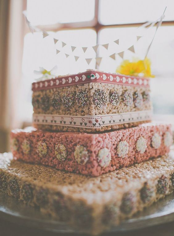 39 Tasty And Easy To Make Krispie Rice Wedding Cakes Weddingomania