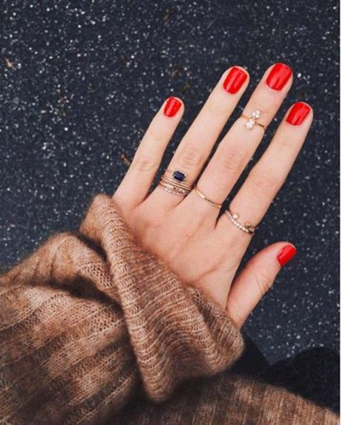 a classic red manicure always works, such nails will fit any bridal look, from a spring to a fall one