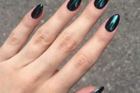 metallic hunter green nails are extra bold and chic and bring much color to your fall bridal look