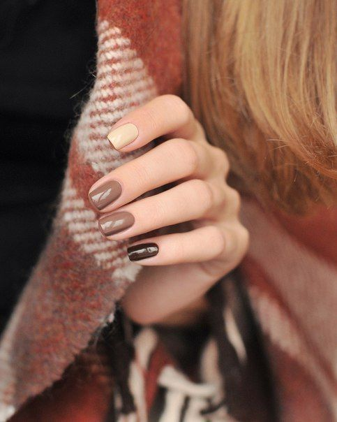 mismatching fall wedding nails - ivory, grey, black look catchy and not excessively bright