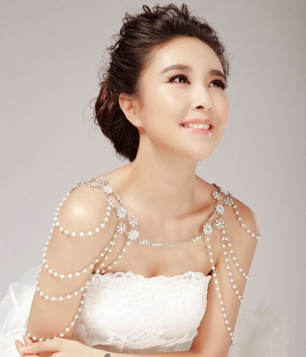 20 Eye Catching Bridal Shoulder Jewelry Pieces Weddingomania
