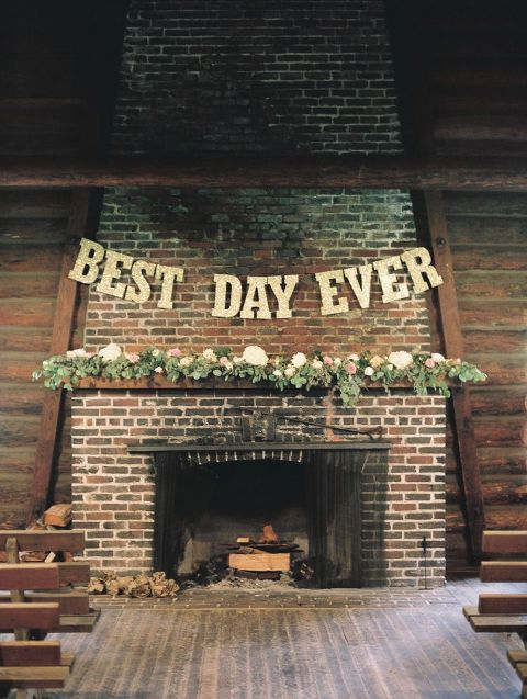 22 Cozy Fireplace Décor Ideas For Your Big Day
