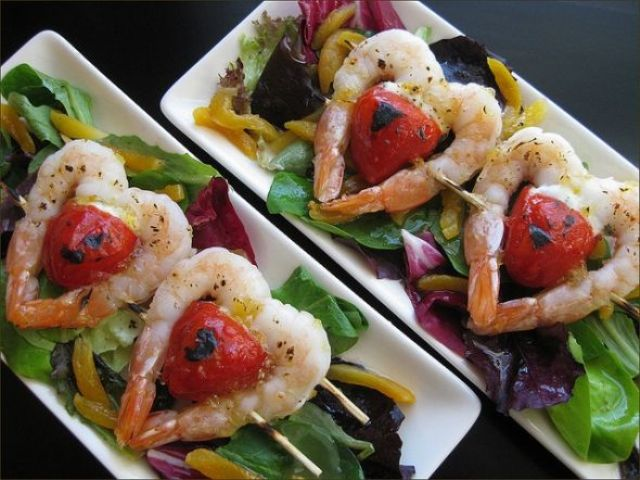 pretty heart shaped grilled shrimp and tomato appetizers for a Valentine wedding
