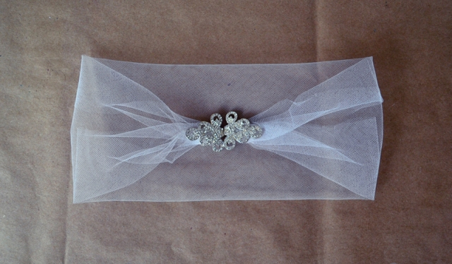 Picture Of DIY Stretchy Rhinestone Headband For A Bride 5