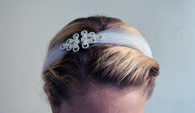 Picture Of DIY Stretchy Rhinestone Headband For A Bride 6 53aef74c7b6