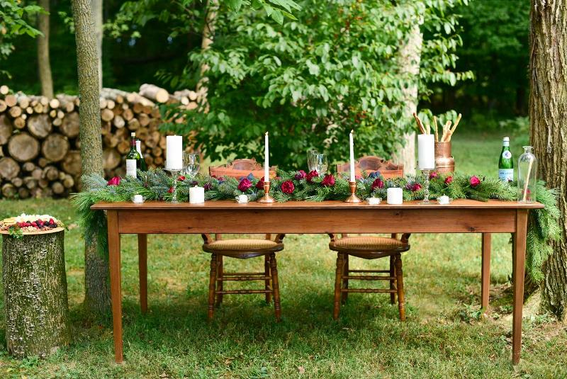 Picture Of charming woodsy christmas themed wedding  11