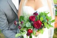charming-woodsy-christmas-themed-wedding-12