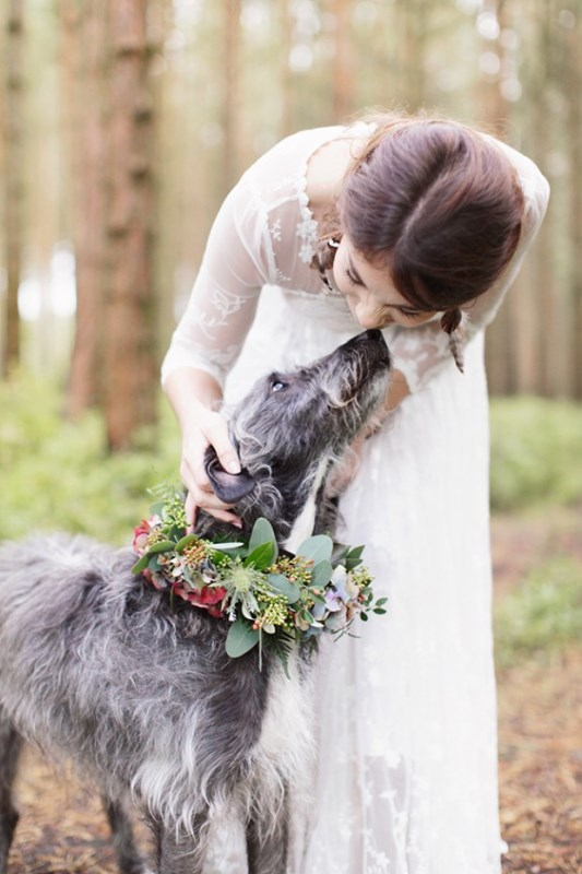 Cozy And Romantic Wild Woodland Bridal Elopement Shoot
