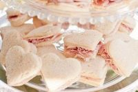 heart-shaped sandwiches with ham are classics for a Valentine wedding and they are easy to make