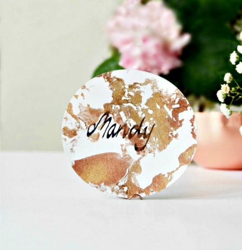 DIY Place Cards With A Metallic Marbelized Effect