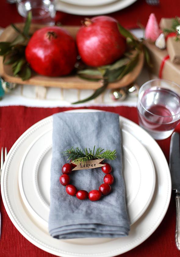 DIY Winter Mini Cranberry Wreath Place Cards