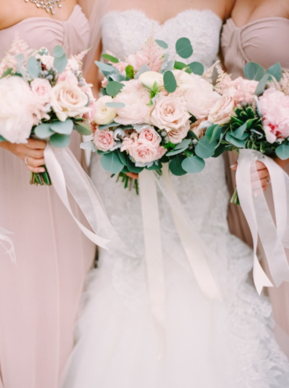 Pantones 2016 Color 19 Lovely Rose Quartz Wedding Ideas