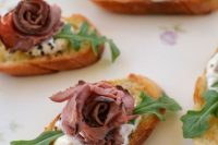 rose beef bites with horseradish cream on toasts are delicious and creative Valentine wedding appetizers