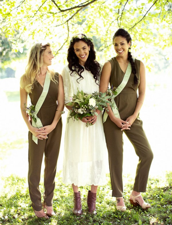 sleeveless olive green fitting jumpsuits with V-necklines look nice at a fall wedding