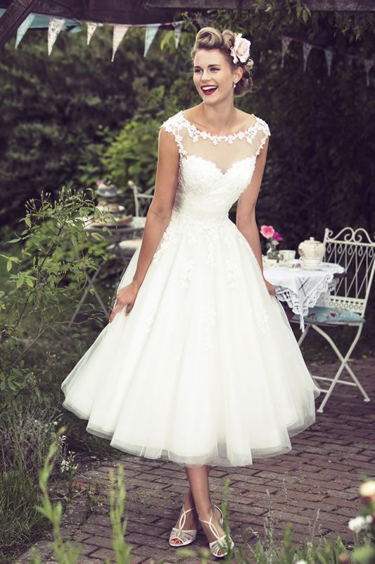 Picture Of graceful and feminine ballerina inspired wedding