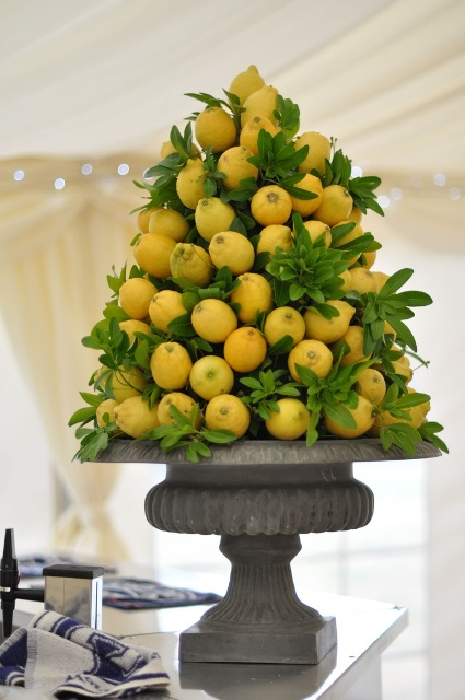 Picture Of Juicy Ideas To Incorporate Lemons Into Your Wedding 18