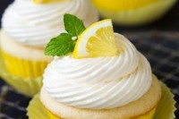 22 Juicy Ideas To Incorporate Lemons Into Your Wedding2