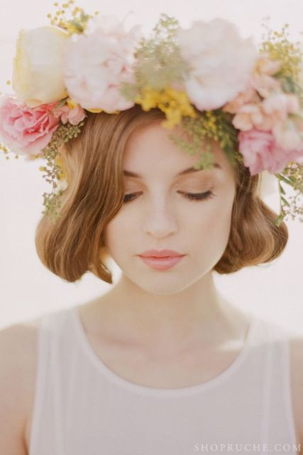 Stunning Spring Flower Crown Ideas For Brides