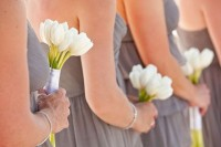 42 Beautiful Ideas To Incorporate Tulips Into Your Wedding 39