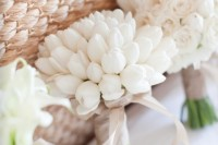 42 Beautiful Ideas To Incorporate Tulips Into Your Wedding 8