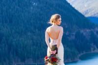breathtakingly-beautiful-cliffside-bridal-shoot-on-dablo-lake-1