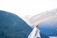 breathtakingly-beautiful-cliffside-bridal-shoot-on-dablo-lake-15