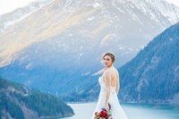 breathtakingly-beautiful-cliffside-bridal-shoot-on-dablo-lake-16