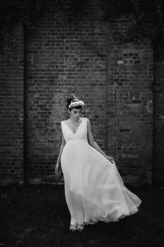 Picture Of french chic la poesie bridal 2016 collection  10