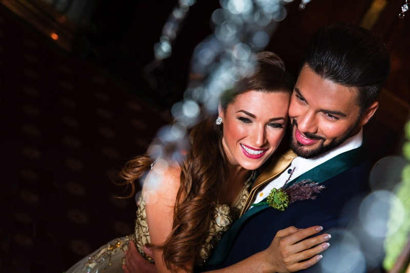 Picture Of luxurious winter opulence wedding styled shoot  23