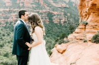romantic-travel-themed-wedding-in-sedona-1