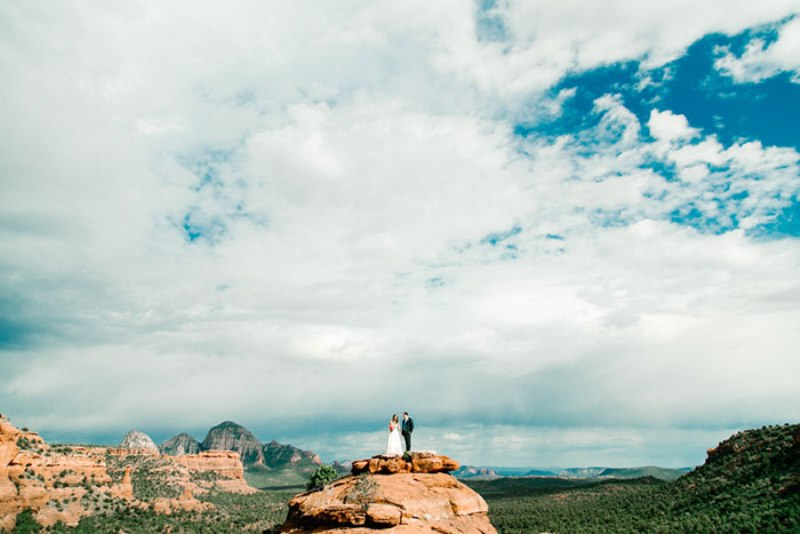 Picture Of romantic travel themed wedding in sedona  13