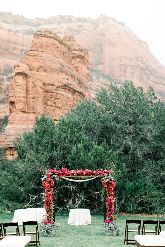 Picture Of romantic travel themed wedding in sedona  16
