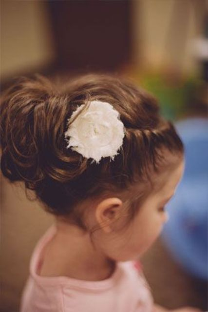 21 Super Cute Flower Girl Hairstyle Ideas To Make