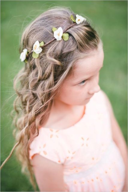 Super Cute Flower Girl Hairstyle Ideas To Make