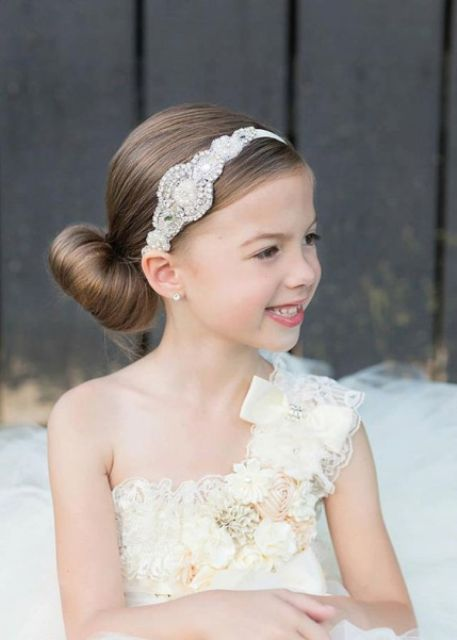 Picture Of Super Cute Flower Girl Hairstyle Ideas To Make 8