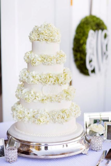 Picture Of Wedding Cakes With Flowers Between The Tiers 8