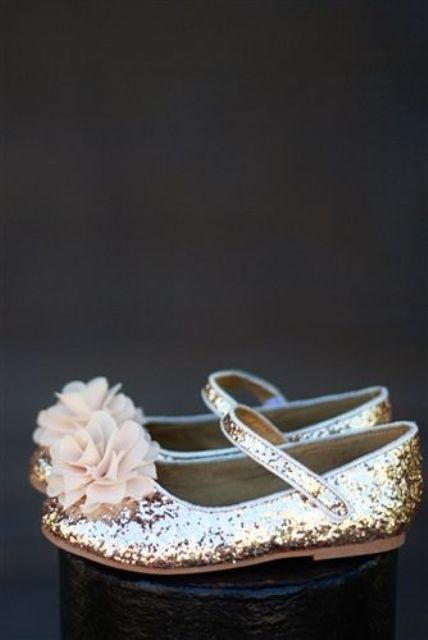 Cute And Sweet Shoes Ideas For Flower Girls