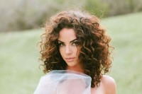 rock shoulder-length curls, this length is the trendiest idea now
