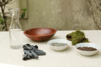 Natural DIY Wedding Centerpiece Moss Pots2